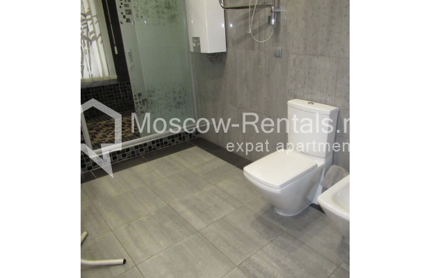 "Photo #8 3-room (2 BR) apartment for <a href=""http://moscow-rentals.ru/en/articles/long-term-rent"" target=""_blank"">a long-term</a> rent  in Russia, Moscow, Petrovskyi blv., 15С1"