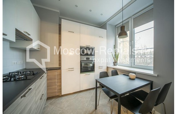 "Photo #1 2-room (1 BR) apartment <u>for a long-term rent</u> (<a href=""http://moscow-rentals.ru/en/articles/long-term-rent"" target=""_blank"">FAQ</a>)    in Russia, Moscow, Karetnyi Ryad, 5/10С2"