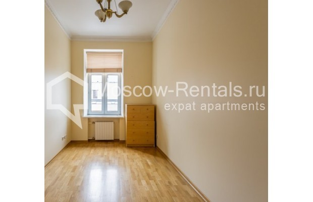 "Photo #4 5-room (4 BR) apartment <u>for a long-term rent</u> (<a href=""http://moscow-rentals.ru/en/articles/long-term-rent"" target=""_blank"">FAQ</a>)    in Russia, Moscow, Tverskaya str., 6С6"
