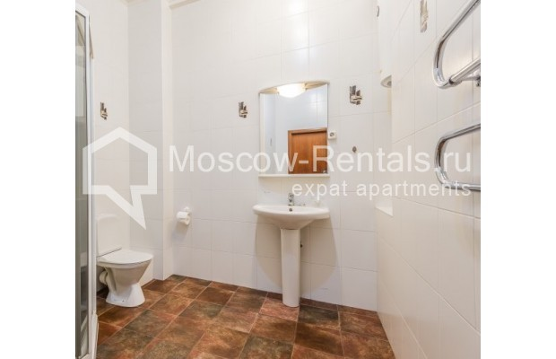 "Photo #10 5-room (4 BR) apartment <u>for a long-term rent</u> (<a href=""http://moscow-rentals.ru/en/articles/long-term-rent"" target=""_blank"">FAQ</a>)    in Russia, Moscow, Tverskaya str., 6С6"