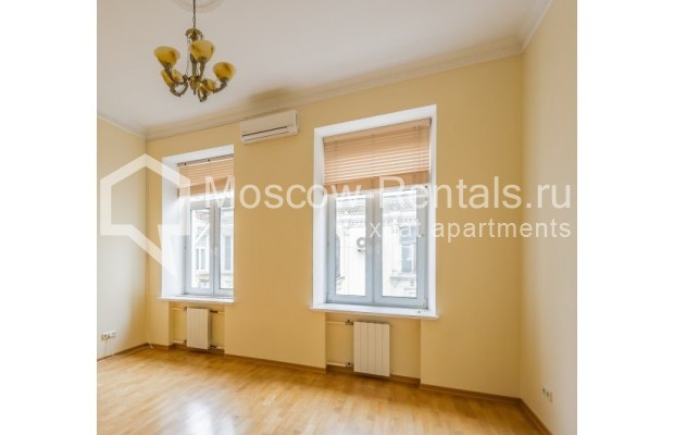 "Photo #8 5-room (4 BR) apartment <u>for a long-term rent</u> (<a href=""http://moscow-rentals.ru/en/articles/long-term-rent"" target=""_blank"">FAQ</a>)    in Russia, Moscow, Tverskaya str., 6С6"
