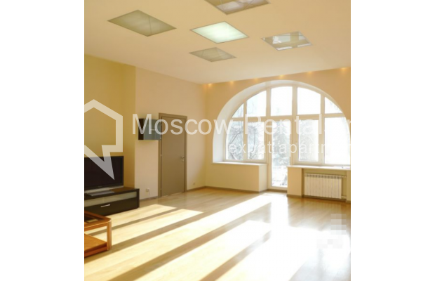 "Photo #1 6-room (5 BR) apartment <u>for a long-term rent</u> (<a href=""http://moscow-rentals.ru/en/articles/long-term-rent"" target=""_blank"">FAQ</a>)    in Russia, Moscow, Kamennaya Sloboda lane, 8/1"