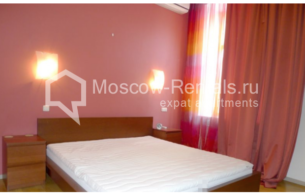 "Photo #6 6-room (5 BR) apartment <u>for a long-term rent</u> (<a href=""http://moscow-rentals.ru/en/articles/long-term-rent"" target=""_blank"">FAQ</a>)    in Russia, Moscow, Kamennaya Sloboda lane, 8/1"