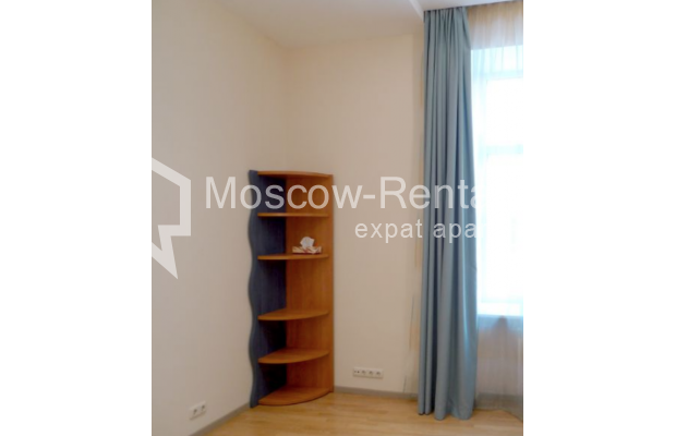 "Photo #8 6-room (5 BR) apartment <u>for a long-term rent</u> (<a href=""http://moscow-rentals.ru/en/articles/long-term-rent"" target=""_blank"">FAQ</a>)    in Russia, Moscow, Kamennaya Sloboda lane, 8/1"