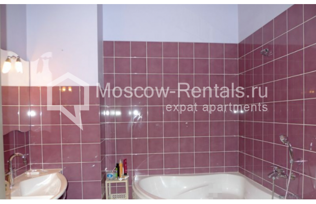 "Photo #9 6-room (5 BR) apartment <u>for a long-term rent</u> (<a href=""http://moscow-rentals.ru/en/articles/long-term-rent"" target=""_blank"">FAQ</a>)    in Russia, Moscow, Kamennaya Sloboda lane, 8/1"