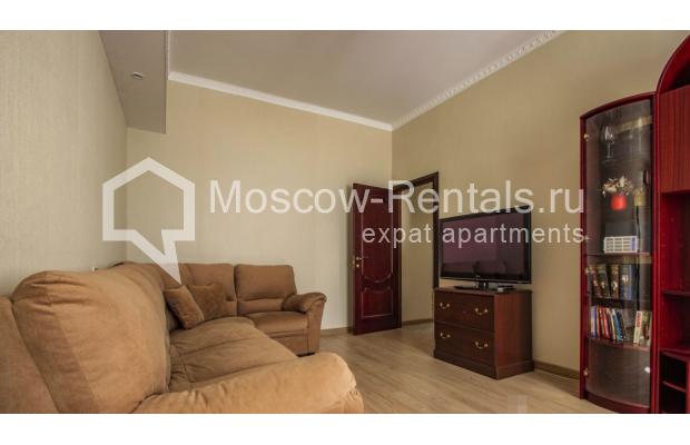 """Photo #2 4-room (3 BR) apartment for <a href=""""http://moscow-rentals.ru/en/articles/long-term-rent"""" target=""""_blank"""">a long-term</a> rent  in Russia, Moscow, Gasheka str, 9"""