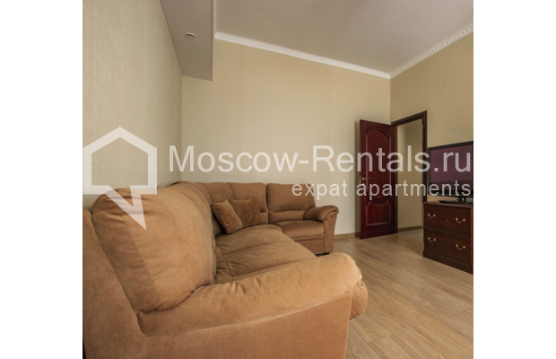 """Photo #4 4-room (3 BR) apartment for <a href=""""http://moscow-rentals.ru/en/articles/long-term-rent"""" target=""""_blank"""">a long-term</a> rent  in Russia, Moscow, Gasheka str, 9"""
