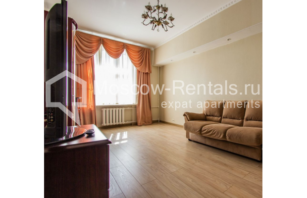 """Photo #5 4-room (3 BR) apartment for <a href=""""http://moscow-rentals.ru/en/articles/long-term-rent"""" target=""""_blank"""">a long-term</a> rent  in Russia, Moscow, Gasheka str, 9"""