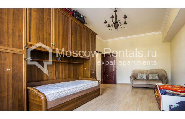 """Photo #7 4-room (3 BR) apartment for <a href=""""http://moscow-rentals.ru/en/articles/long-term-rent"""" target=""""_blank"""">a long-term</a> rent  in Russia, Moscow, Gasheka str, 9"""