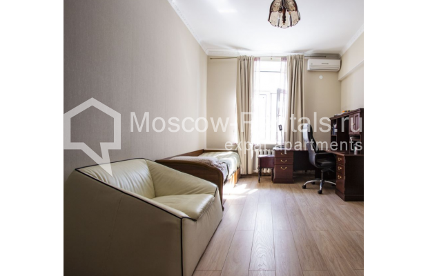 """Photo #17 4-room (3 BR) apartment for <a href=""""http://moscow-rentals.ru/en/articles/long-term-rent"""" target=""""_blank"""">a long-term</a> rent  in Russia, Moscow, Gasheka str, 9"""