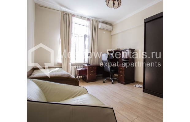 """Photo #18 4-room (3 BR) apartment for <a href=""""http://moscow-rentals.ru/en/articles/long-term-rent"""" target=""""_blank"""">a long-term</a> rent  in Russia, Moscow, Gasheka str, 9"""
