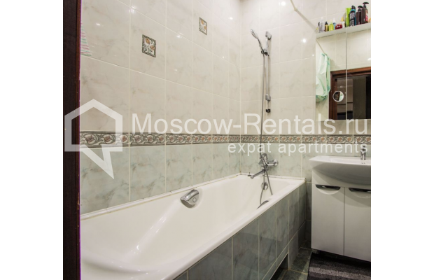 """Photo #20 4-room (3 BR) apartment for <a href=""""http://moscow-rentals.ru/en/articles/long-term-rent"""" target=""""_blank"""">a long-term</a> rent  in Russia, Moscow, Gasheka str, 9"""