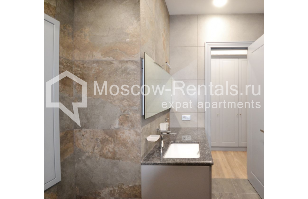 "Photo #6 2-room (1 BR) apartment <u>for a long-term rent</u> (<a href=""http://moscow-rentals.ru/en/articles/long-term-rent"" target=""_blank"">FAQ</a>)    in Russia, Moscow, Kalashnyi lane, 7"