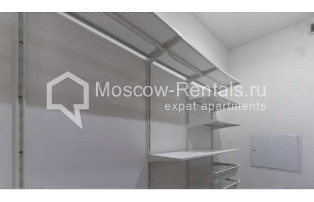 "Photo #11 3-room (2 BR) apartment <u>for a long-term rent</u> (<a href=""http://moscow-rentals.ru/en/articles/long-term-rent"" target=""_blank"">FAQ</a>)    in Russia, Moscow, Krasnoproletarskaya str., 7"