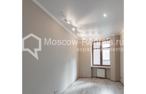 "Photo #12 3-room (2 BR) apartment <u>for a long-term rent</u> (<a href=""http://moscow-rentals.ru/en/articles/long-term-rent"" target=""_blank"">FAQ</a>)    in Russia, Moscow, Krasnoproletarskaya str., 7"