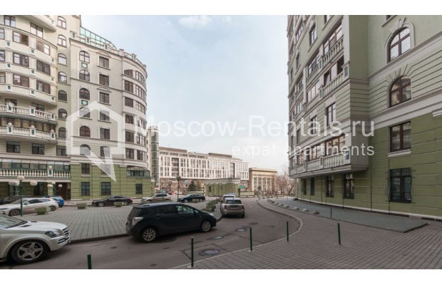 "Photo #1 3-room (2 BR) apartment <u>for a long-term rent</u> (<a href=""http://moscow-rentals.ru/en/articles/long-term-rent"" target=""_blank"">FAQ</a>)    in Russia, Moscow, Krasnoproletarskaya str., 7"