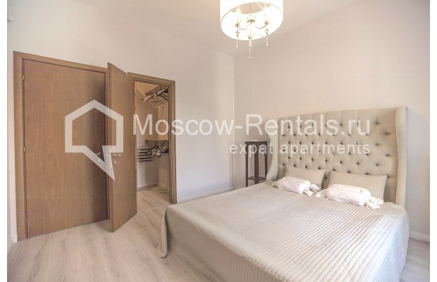 "Photo #5 3-room (2 BR) apartment for <a href=""http://moscow-rentals.ru/en/articles/long-term-rent"" target=""_blank"">a long-term</a> rent  in Russia, Moscow, B. Palashevskyi lane, 14/7"