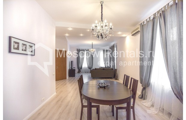 "Photo #1 3-room (2 BR) apartment for <a href=""http://moscow-rentals.ru/en/articles/long-term-rent"" target=""_blank"">a long-term</a> rent  in Russia, Moscow, B. Palashevskyi lane, 14/7"
