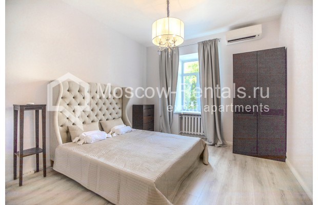 "Photo #4 3-room (2 BR) apartment for <a href=""http://moscow-rentals.ru/en/articles/long-term-rent"" target=""_blank"">a long-term</a> rent  in Russia, Moscow, B. Palashevskyi lane, 14/7"