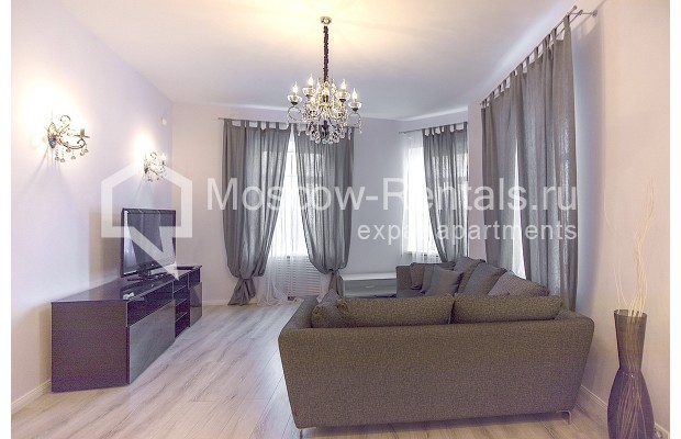 "Photo #3 3-room (2 BR) apartment for <a href=""http://moscow-rentals.ru/en/articles/long-term-rent"" target=""_blank"">a long-term</a> rent  in Russia, Moscow, B. Palashevskyi lane, 14/7"