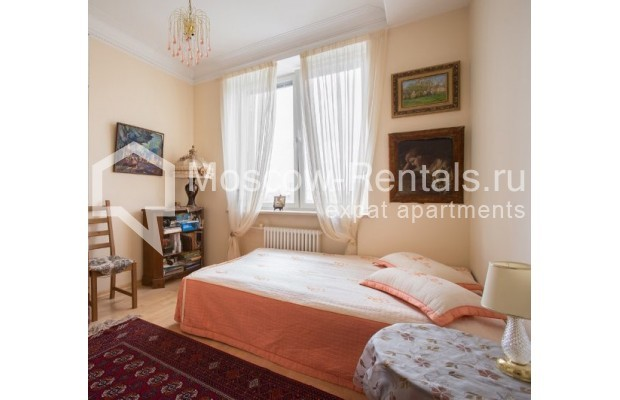 "Photo #5 5-room (4 BR) apartment <u>for a long-term rent</u> (<a href=""http://moscow-rentals.ru/en/articles/long-term-rent"" target=""_blank"">FAQ</a>)    in Russia, Moscow, Savvinskaya emb., 7С3"