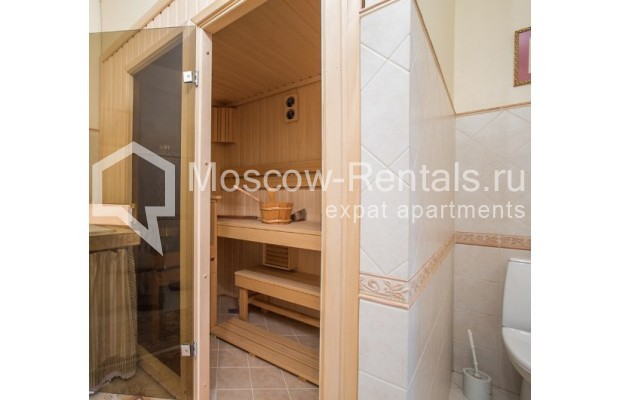 "Photo #7 5-room (4 BR) apartment <u>for a long-term rent</u> (<a href=""http://moscow-rentals.ru/en/articles/long-term-rent"" target=""_blank"">FAQ</a>)    in Russia, Moscow, Savvinskaya emb., 7С3"