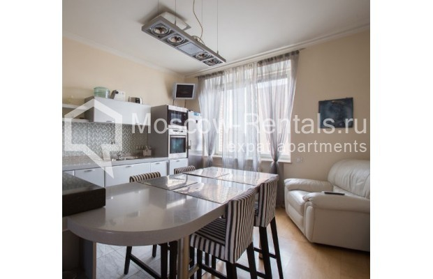 "Photo #9 5-room (4 BR) apartment <u>for a long-term rent</u> (<a href=""http://moscow-rentals.ru/en/articles/long-term-rent"" target=""_blank"">FAQ</a>)    in Russia, Moscow, Savvinskaya emb., 7С3"