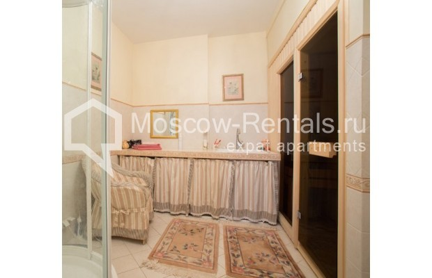 "Photo #13 5-room (4 BR) apartment <u>for a long-term rent</u> (<a href=""http://moscow-rentals.ru/en/articles/long-term-rent"" target=""_blank"">FAQ</a>)    in Russia, Moscow, Savvinskaya emb., 7С3"