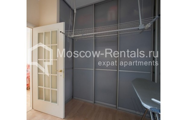 "Photo #8 5-room (4 BR) apartment <u>for a long-term rent</u> (<a href=""http://moscow-rentals.ru/en/articles/long-term-rent"" target=""_blank"">FAQ</a>)    in Russia, Moscow, Savvinskaya emb., 7С3"