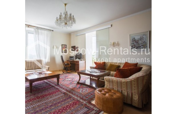 "Photo #3 5-room (4 BR) apartment <u>for a long-term rent</u> (<a href=""http://moscow-rentals.ru/en/articles/long-term-rent"" target=""_blank"">FAQ</a>)    in Russia, Moscow, Savvinskaya emb., 7С3"