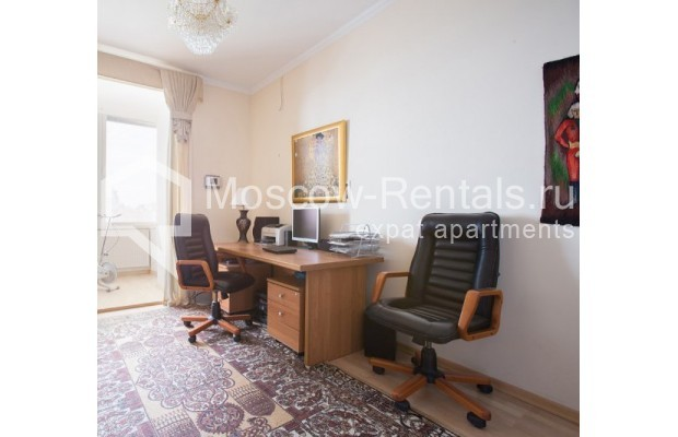 "Photo #6 5-room (4 BR) apartment <u>for a long-term rent</u> (<a href=""http://moscow-rentals.ru/en/articles/long-term-rent"" target=""_blank"">FAQ</a>)    in Russia, Moscow, Savvinskaya emb., 7С3"