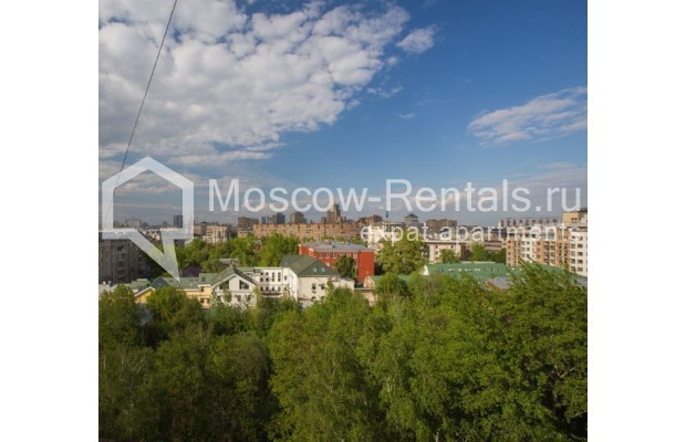"Photo #17 5-room (4 BR) apartment <u>for a long-term rent</u> (<a href=""http://moscow-rentals.ru/en/articles/long-term-rent"" target=""_blank"">FAQ</a>)    in Russia, Moscow, Savvinskaya emb., 7С3"