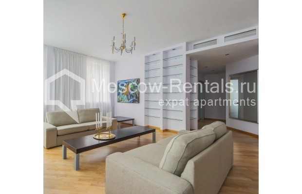 "Photo #1 3-room (2 BR) apartment <u>for a long-term rent</u> (<a href=""http://moscow-rentals.ru/en/articles/long-term-rent"" target=""_blank"">FAQ</a>)    in Russia, Moscow, Komsomolskyi pr, 32"
