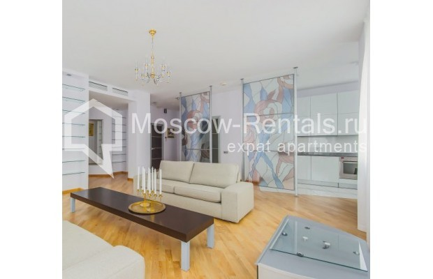"Photo #2 3-room (2 BR) apartment <u>for a long-term rent</u> (<a href=""http://moscow-rentals.ru/en/articles/long-term-rent"" target=""_blank"">FAQ</a>)    in Russia, Moscow, Komsomolskyi pr, 32"