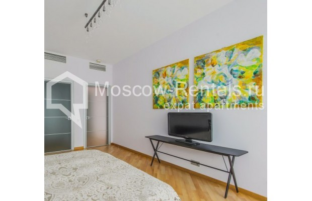 "Photo #8 3-room (2 BR) apartment <u>for a long-term rent</u> (<a href=""http://moscow-rentals.ru/en/articles/long-term-rent"" target=""_blank"">FAQ</a>)    in Russia, Moscow, Komsomolskyi pr, 32"