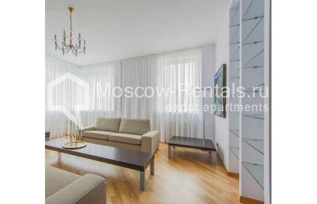 "Photo #5 3-room (2 BR) apartment <u>for a long-term rent</u> (<a href=""http://moscow-rentals.ru/en/articles/long-term-rent"" target=""_blank"">FAQ</a>)    in Russia, Moscow, Komsomolskyi pr, 32"