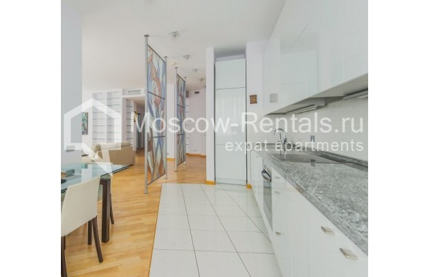 "Photo #6 3-room (2 BR) apartment <u>for a long-term rent</u> (<a href=""http://moscow-rentals.ru/en/articles/long-term-rent"" target=""_blank"">FAQ</a>)    in Russia, Moscow, Komsomolskyi pr, 32"