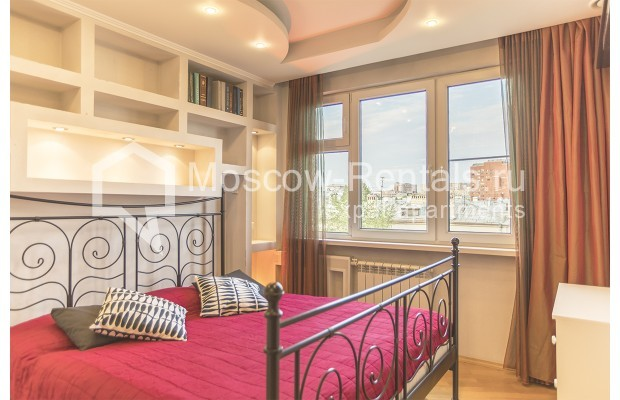 Photo #1 4-room (3 BR) apartment <u>for sale</u> in Russia, Moscow, Sergeya Makeeva str, 1