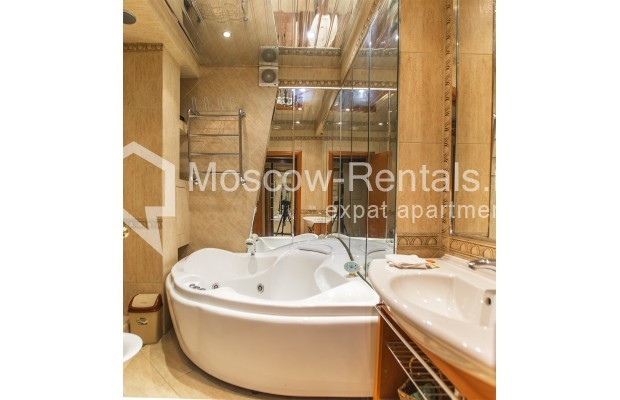 Photo #8 4-room (3 BR) apartment <u>for sale</u> in Russia, Moscow, Sergeya Makeeva str, 1