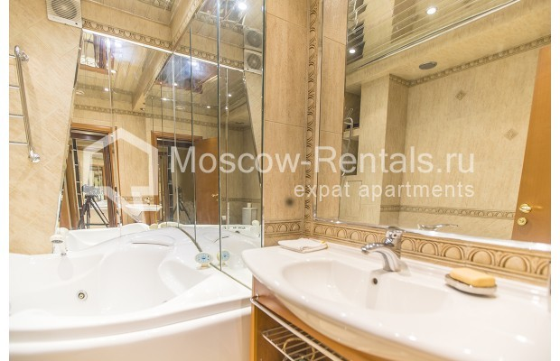 Photo #12 4-room (3 BR) apartment <u>for sale</u> in Russia, Moscow, Sergeya Makeeva str, 1