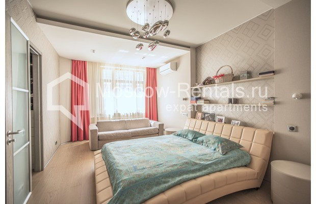 """Photo #12 4-room (3 BR) apartment for <a href=""""http://moscow-rentals.ru/en/articles/long-term-rent"""" target=""""_blank"""">a long-term</a> rent  in Russia, Moscow, Lomonoskovskyi prosp, 25 к 5"""