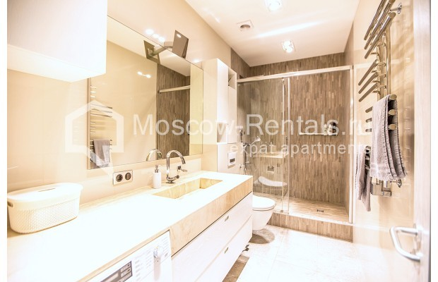 """Photo #9 4-room (3 BR) apartment for <a href=""""http://moscow-rentals.ru/en/articles/long-term-rent"""" target=""""_blank"""">a long-term</a> rent  in Russia, Moscow, Lomonoskovskyi prosp, 25 к 5"""