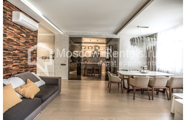 """Photo #2 4-room (3 BR) apartment for <a href=""""http://moscow-rentals.ru/en/articles/long-term-rent"""" target=""""_blank"""">a long-term</a> rent  in Russia, Moscow, Lomonoskovskyi prosp, 25 к 5"""