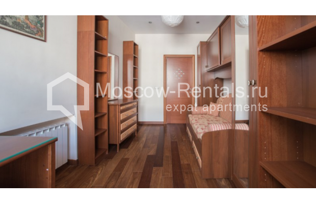 "Photo #7 3-room (2 BR) apartment <u>for a long-term rent</u> (<a href=""http://moscow-rentals.ru/en/articles/long-term-rent"" target=""_blank"">FAQ</a>)    in Russia, Moscow, Tverskaya str, 27С1"