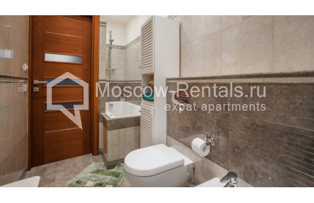 "Photo #9 3-room (2 BR) apartment <u>for a long-term rent</u> (<a href=""http://moscow-rentals.ru/en/articles/long-term-rent"" target=""_blank"">FAQ</a>)    in Russia, Moscow, Tverskaya str, 27С1"