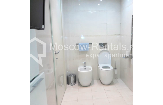 "Photo #13 2-room (1 BR) apartment <u>for a long-term rent</u> (<a href=""http://moscow-rentals.ru/en/articles/long-term-rent"" target=""_blank"">FAQ</a>)    in Russia, Moscow, Staropimenovskyi lane, 4С1"