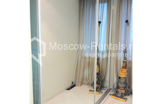 "Photo #11 2-room (1 BR) apartment <u>for a long-term rent</u> (<a href=""http://moscow-rentals.ru/en/articles/long-term-rent"" target=""_blank"">FAQ</a>)    in Russia, Moscow, Staropimenovskyi lane, 4С1"