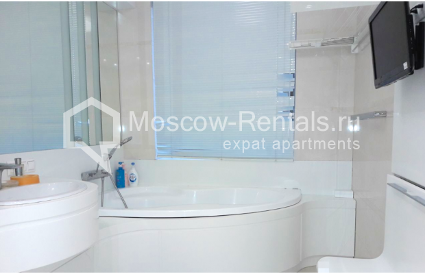 "Photo #12 2-room (1 BR) apartment <u>for a long-term rent</u> (<a href=""http://moscow-rentals.ru/en/articles/long-term-rent"" target=""_blank"">FAQ</a>)    in Russia, Moscow, Staropimenovskyi lane, 4С1"