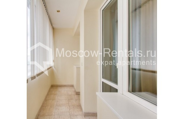 "Photo #9 2-room (1 BR) apartment <u>for a long-term rent</u> (<a href=""http://moscow-rentals.ru/en/articles/long-term-rent"" target=""_blank"">FAQ</a>)    in Russia, Moscow, Staropimenovskyi lane, 12/6"