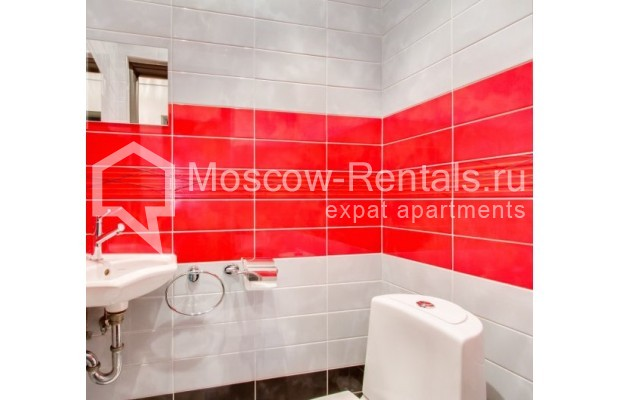 "Photo #8 2-room (1 BR) apartment <u>for a long-term rent</u> (<a href=""http://moscow-rentals.ru/en/articles/long-term-rent"" target=""_blank"">FAQ</a>)    in Russia, Moscow, Staropimenovskyi lane, 12/6"